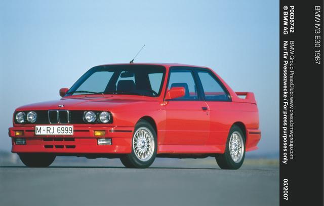 画像: E30型3シリーズをベースとした初代M3は、ツーリングカーレースを席巻して大人気となり、すっかりBMWの人気ラインアップになった。しっかりメンテナンスすれば、今でも現役で楽しめる。