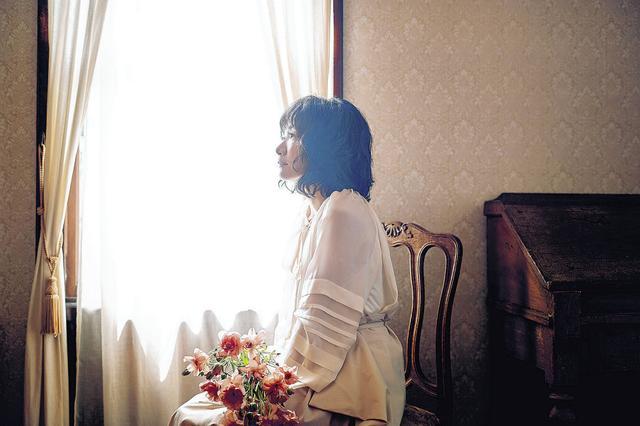 画像: 平松愛理、27年ぶり続編「部屋とYシャツと私~あれから~」制作…8・28に30周年シングル(スポーツ報知) - Yahoo!ニュース