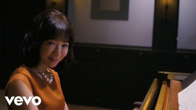 画像: 平松愛理 - 「部屋とYシャツと私~あれから~」Music Video www.youtube.com