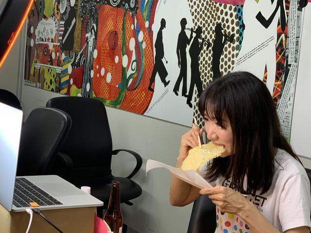 画像: ★本番の試食タイム。焦げ目はつかず愛理さんを満足させるには、ほど遠いおつまみとなってしまいました。笑