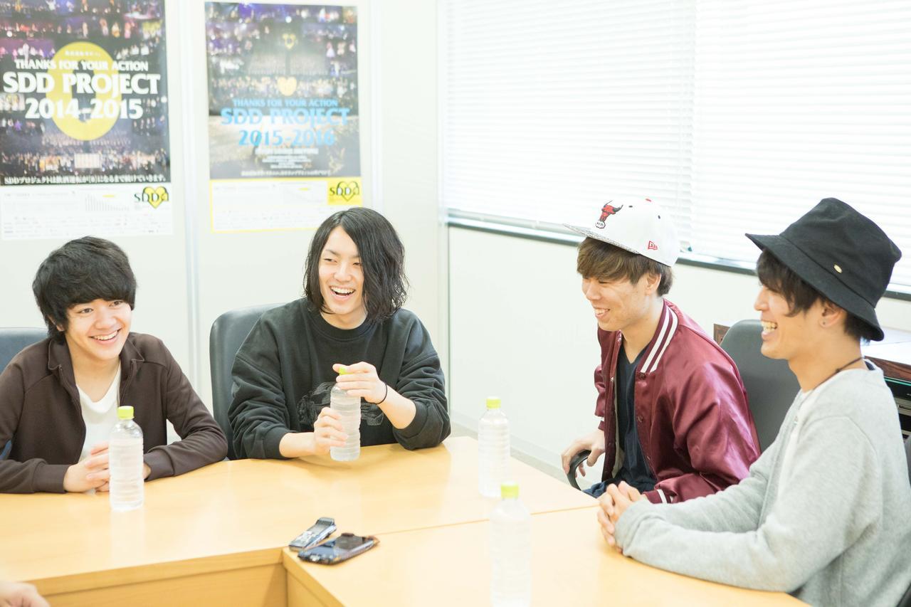 画像1: 『FM OSAKA E∞Tracks LIVE』初開催に向け、ラックライフ×Shout it Outのスペシャル対談が実現!<前編>