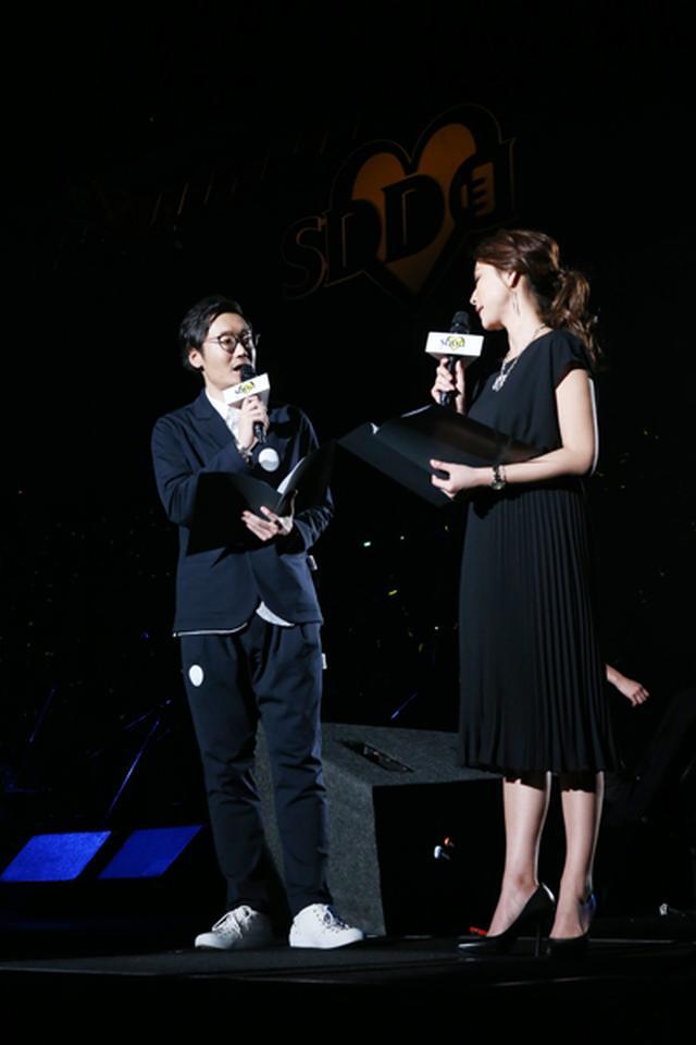 画像: 左から FM OSAKA 遠藤淳、赤松悠実