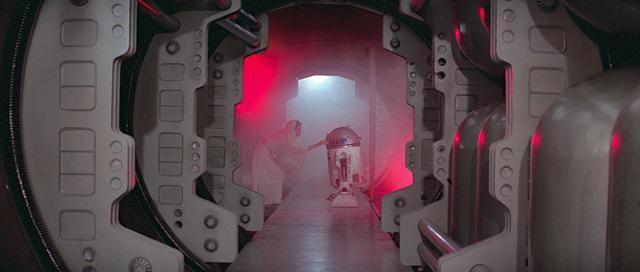 画像: 「エピソード4/新たなる希望」の冒頭シーン ©2016 Lucasfilm Ltd. All Rights Reserved.