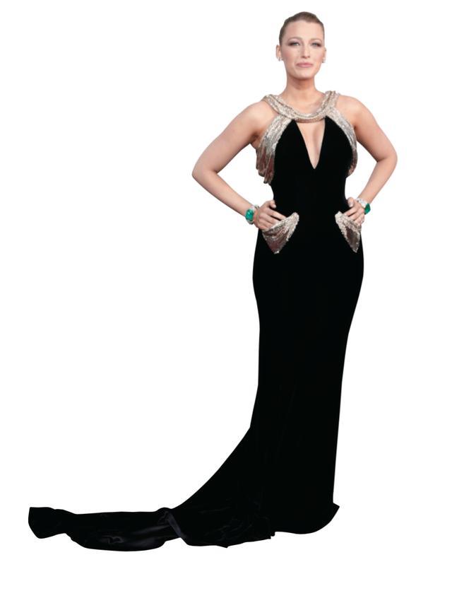 画像: 今年のベスト・ドレスと評価されたブレーク・ライヴリー