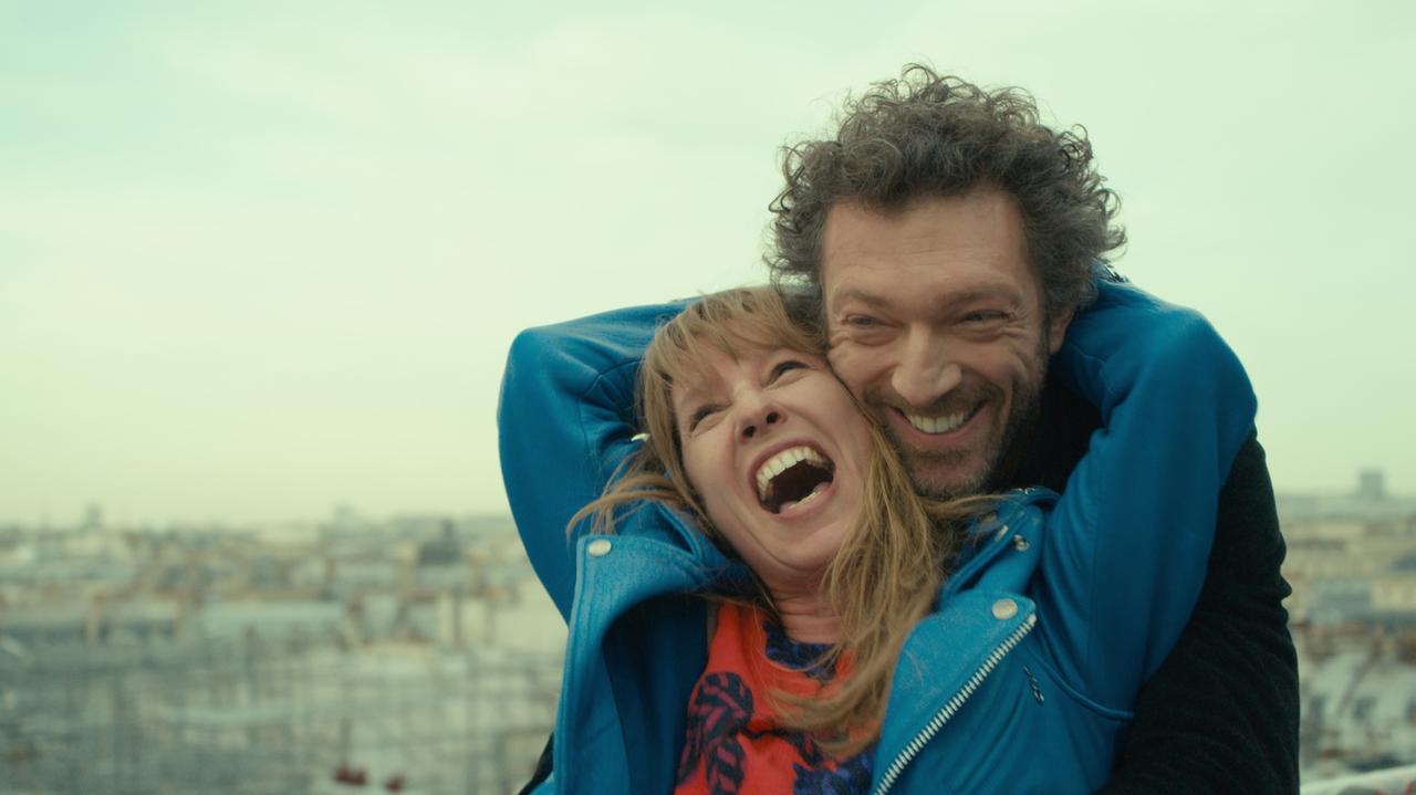 画像: 愛する夫のエゴも許せる、大人の女の生き方に共感できるか否かの問題作でもある。 © 2015 / Les Productions Du Trésor - STUDIOCANAL - France 2 Cinéma - Les Films de Batna - Arches Films - 120 Films – All Rights Reserved Photo: MARCEL HARTMAN