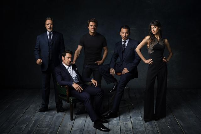 画像: 『ダーク・ユニバース』に参加する豪華スターたち。左からラッセル・クロー、ハヴィエル・バルデム、トム・クルーズ、ジョニー・デップ、ソフィア・ブテラ。