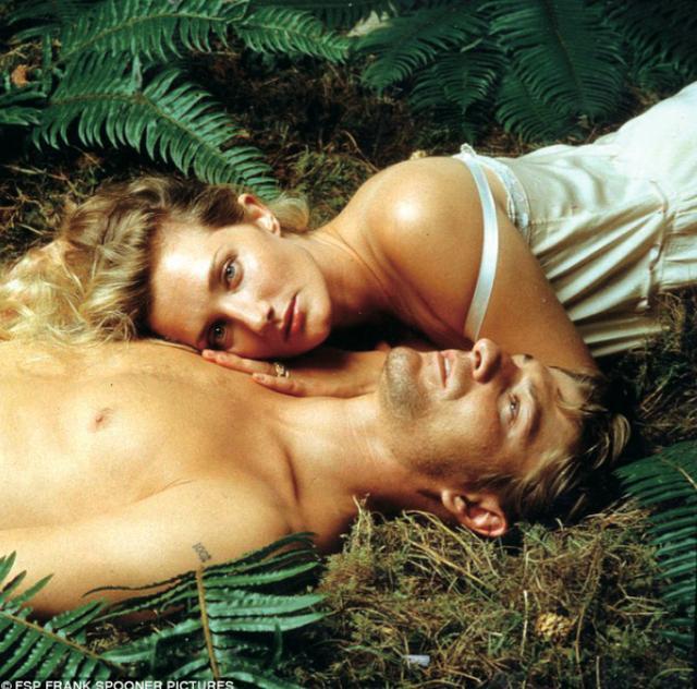 画像: 名家の奥様と屈強な森番の隠された逢瀬