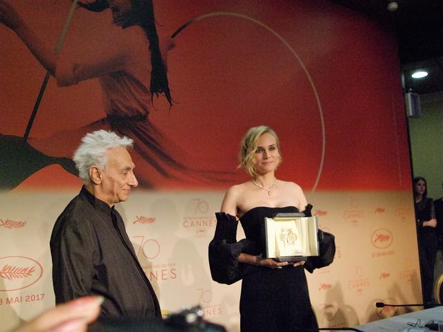 画像: 女優演技賞を受けたダイアン・クルーガー