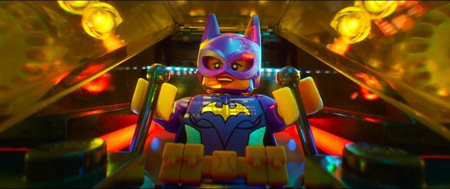 画像2: DCが誇る女性ヒーローたちが世界中を席巻中!「レゴ®バットマン  ザ・ムービー」にも登場の注目女性ヒーロー、バットガールを杉山すぴ豊さんが解説!