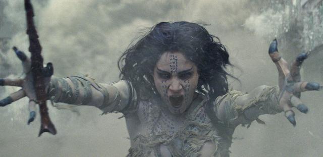 画像1: 秘宝を狙って発掘した棺に眠っていたのは5000年前のエジプト女王だった・・・
