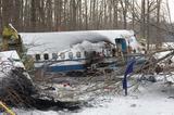 画像: 愛する妻子を失った男が航空機衝突事故の真相を追究していく