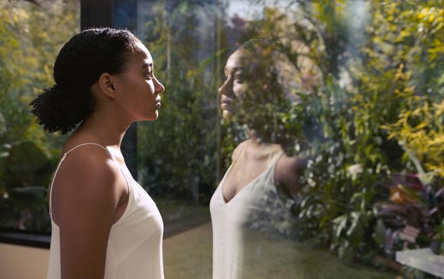 画像: 話題の感動ラブストーリー『エブリシング』の製作秘話を 全米で注目の若手俳優2人が語る!