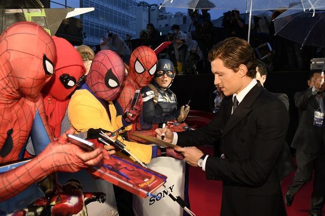 画像4: 『スパイダーマン:ホームカミング』のジャパンプレミアに主演のトム・ホランドとジョン・ワッツ監督が登場!