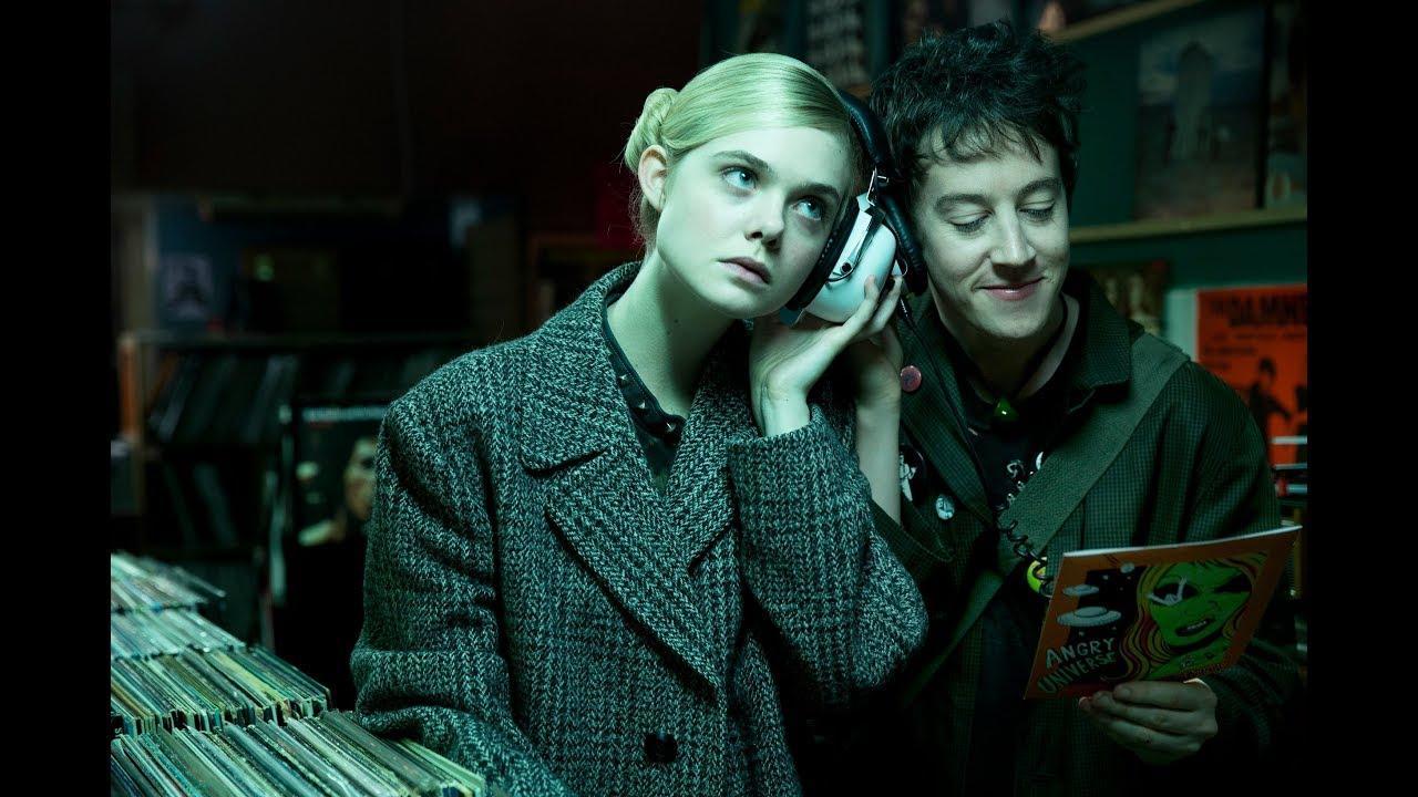 画像: 『パーティで女の子に話しかけるには』予告編 12月1日(金)ロードショー www.youtube.com