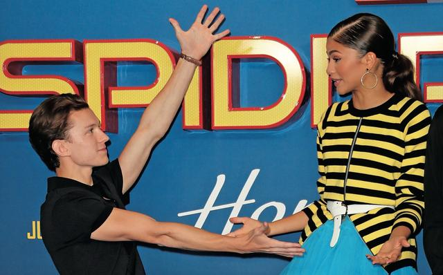画像: ゼンデーヤとダンス? Photos by Getty Image