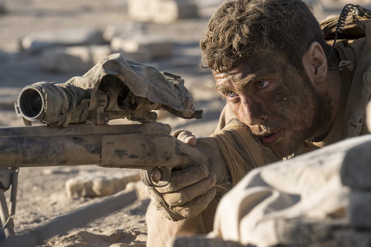 画像1: 最恐スナイパーに狙われた米兵の手に汗握る攻防戦を描く戦場サスペンス「ザ・ウォール」9月1日公開