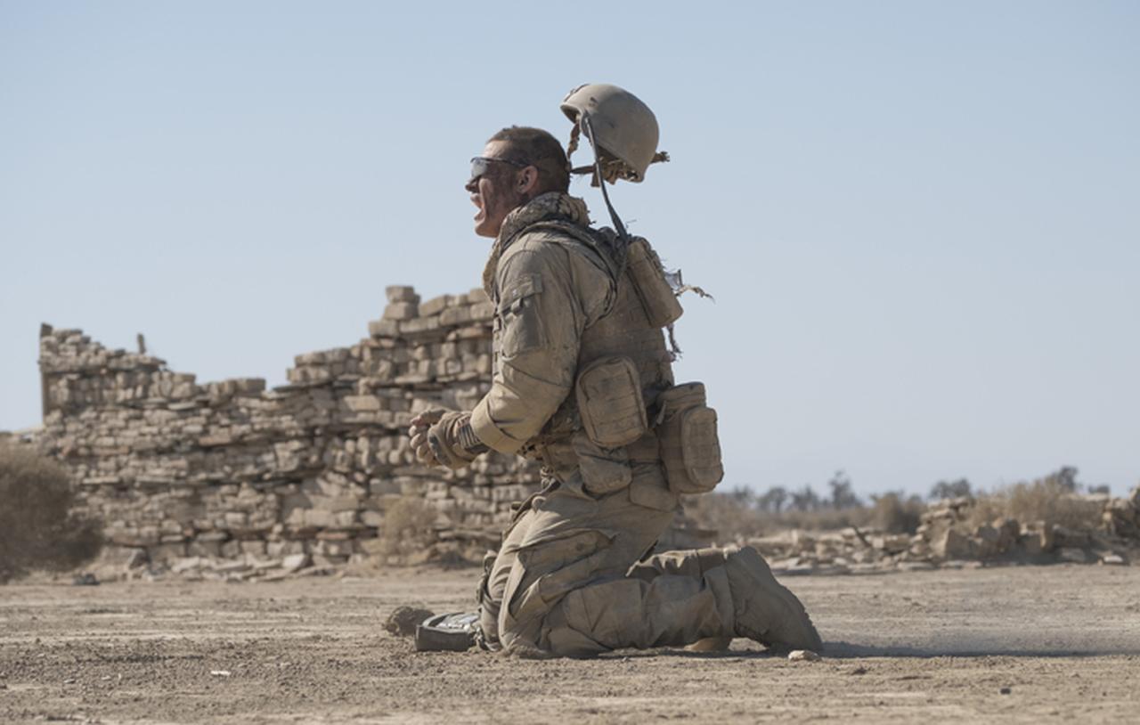 画像2: 最恐スナイパーに狙われた米兵の手に汗握る攻防戦を描く戦場サスペンス「ザ・ウォール」9月1日公開
