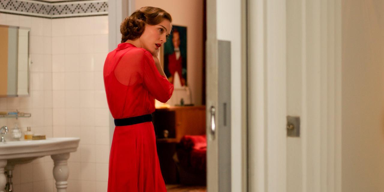 画像: 「ブラック・スワン」のナタリー・ポートマンと「ザ・ダンサー」のリリー・ローズ・デップが美しい姉妹役で初共演したミステリアスなドラマ