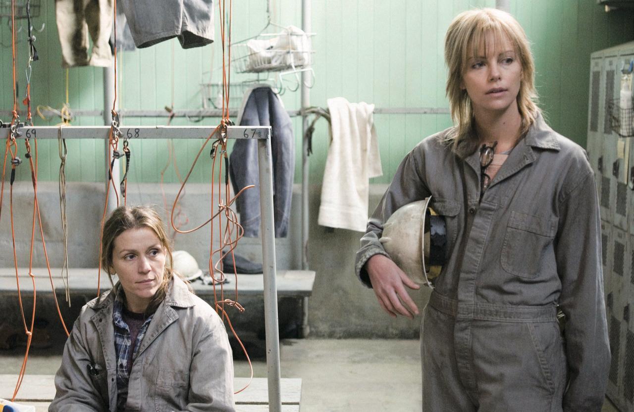 画像: 男性ばかりの職場で働く主婦の孤独な闘い