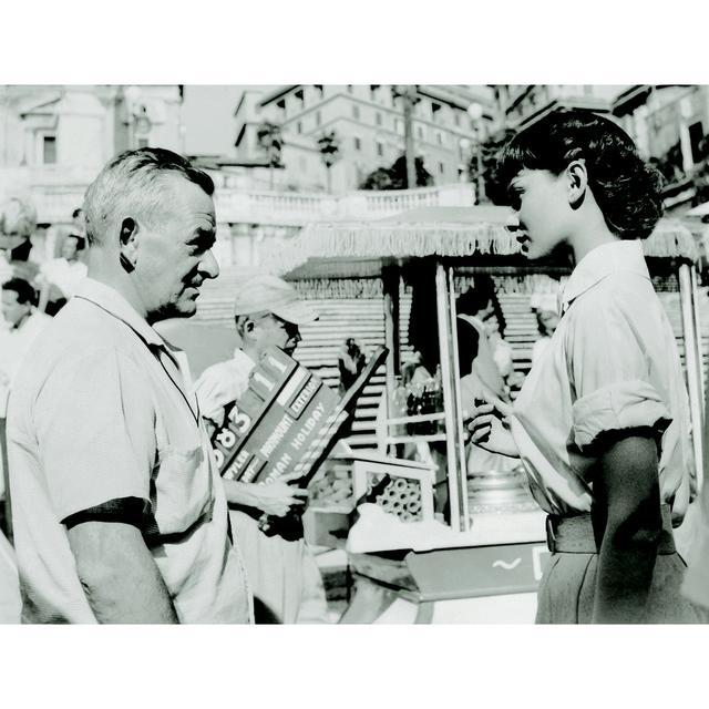 画像: ワイラー監督とヘプバーン