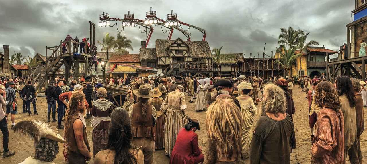 画像: 撮影現場は巨大サイクロンに襲われた ©2017 Disney