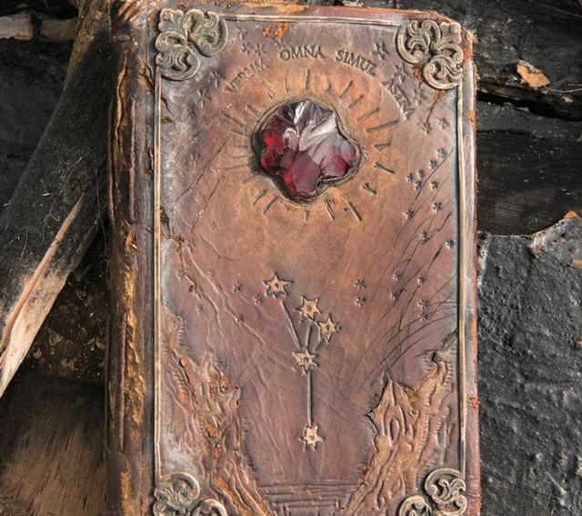 画像: これが美術スタッフがこだわった『ガリレオ・ガリレイの日記』だ ©2017 Disney