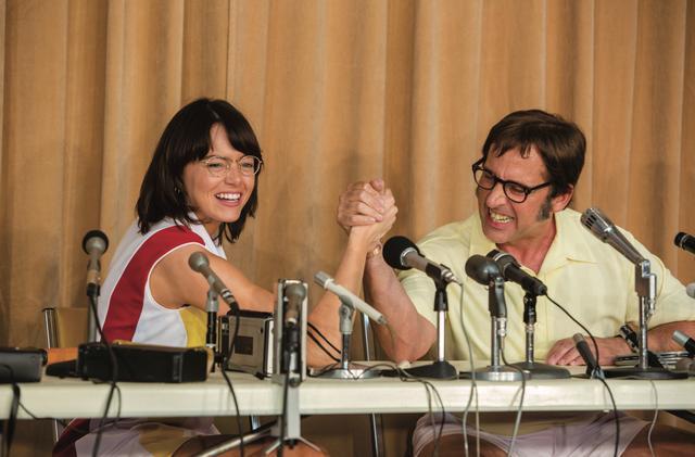 画像: 『バトル・オブ・セクセス』のエマ・ストーン(左)