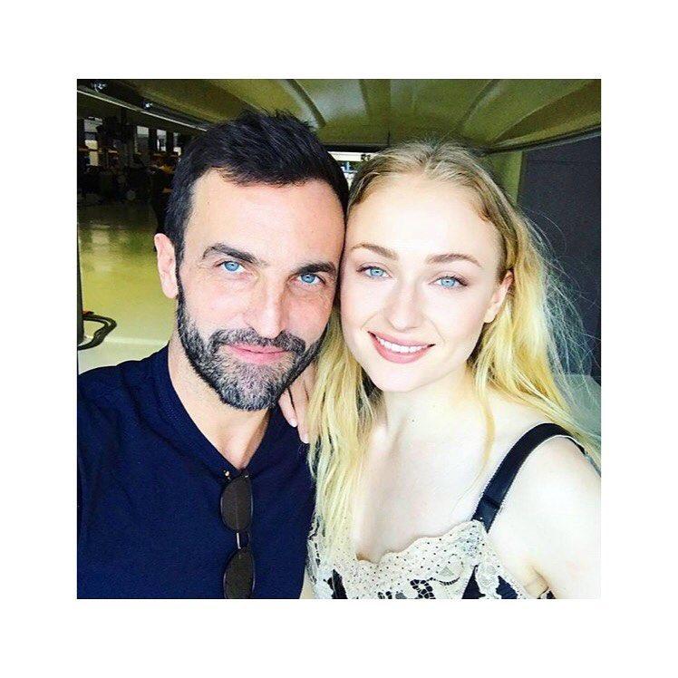 画像1: Instagram投稿の投稿者: Sophie Turnerさん 日時: 2017  4月 9 12:35午前 UTC www.instagram.com