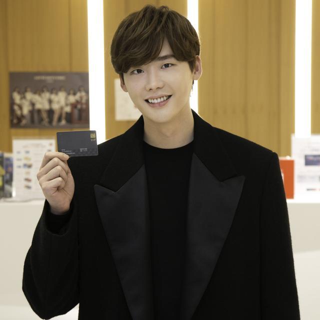 画像1: 注目の韓流スターの登場にお客さんもびっくり