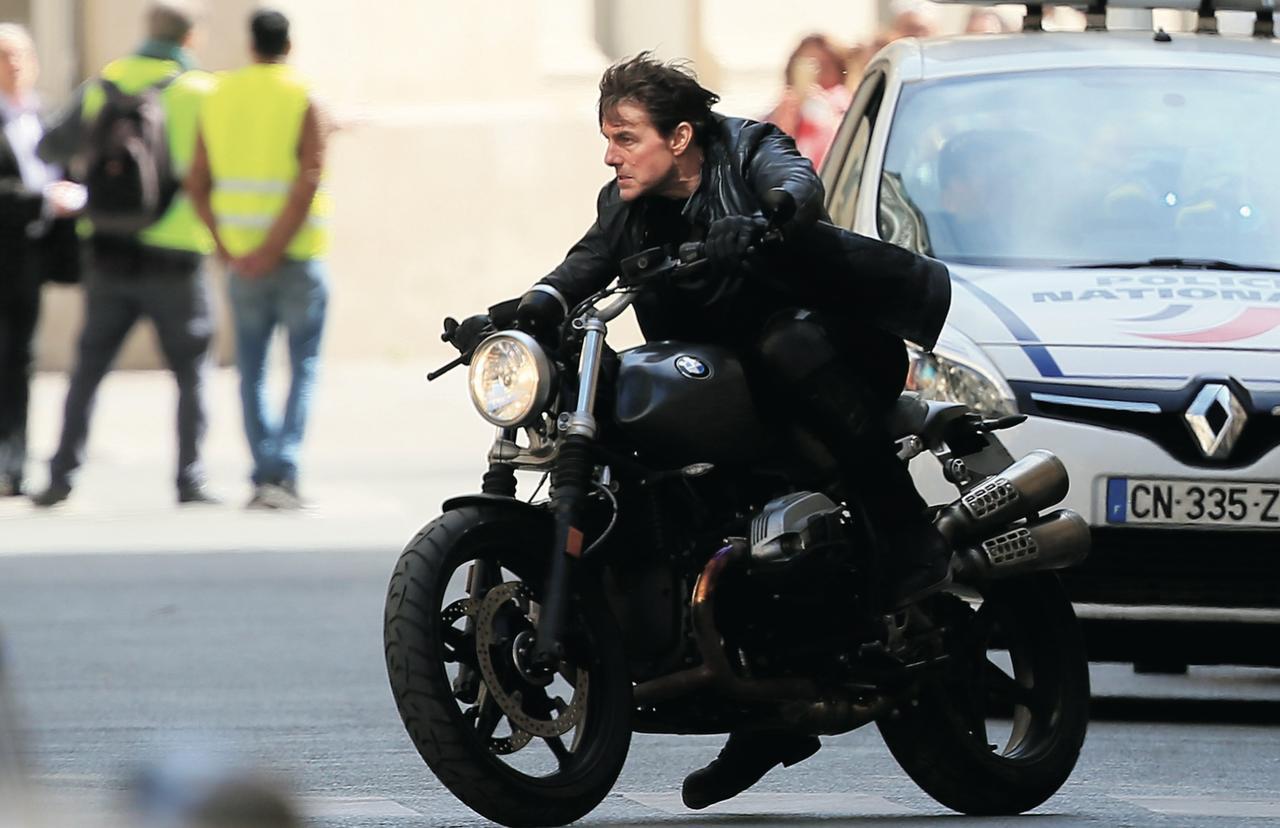 画像: パリで「ミッション:インポッシブル6」撮影中のトム・クルーズ Photo by Pierre Suu/GC Images/Getty Images