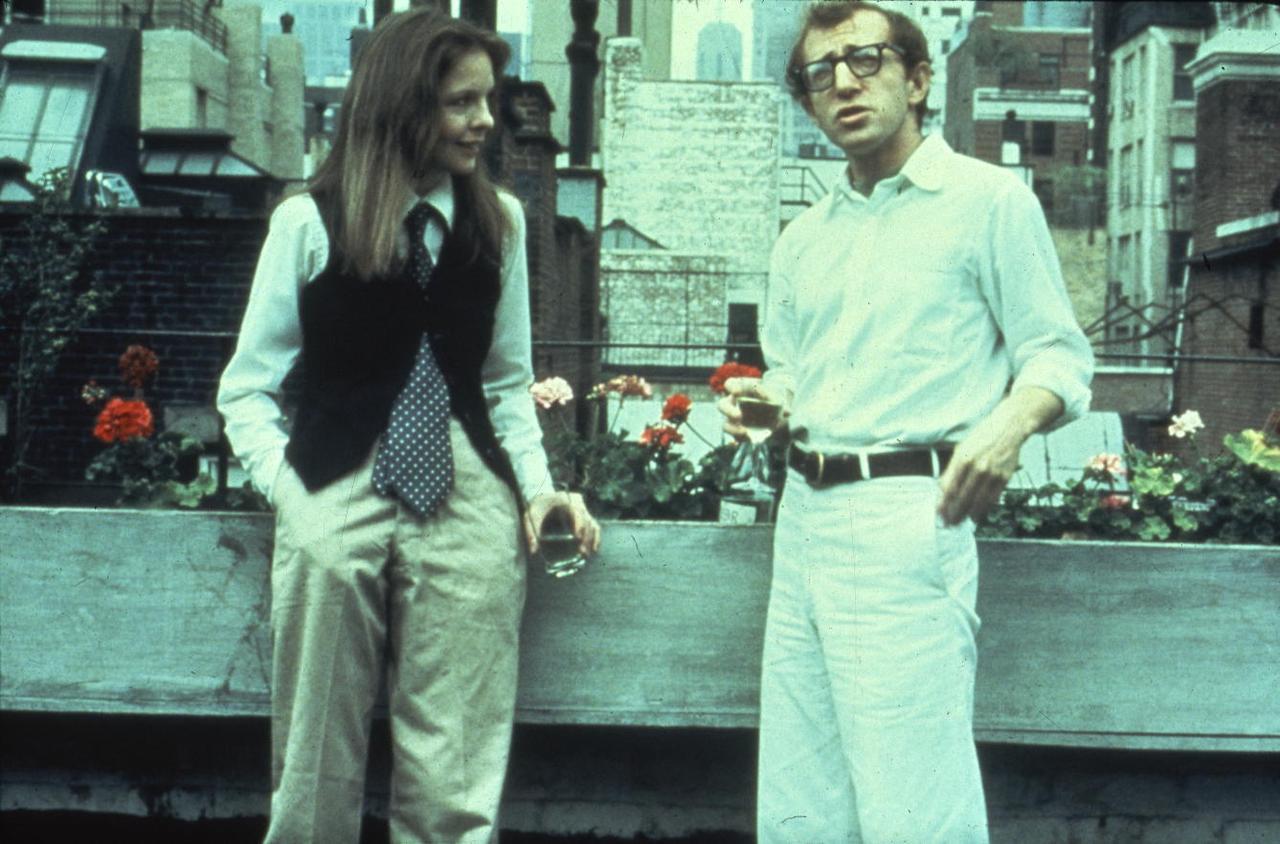 画像: 「アニー・ホール」のダイアン・キートン(左)