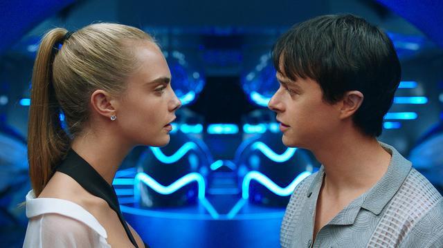 """画像1: この映画では""""愛するということはどういうことなのか""""を ローレリーヌがヴァレリアンに教えているんです"""