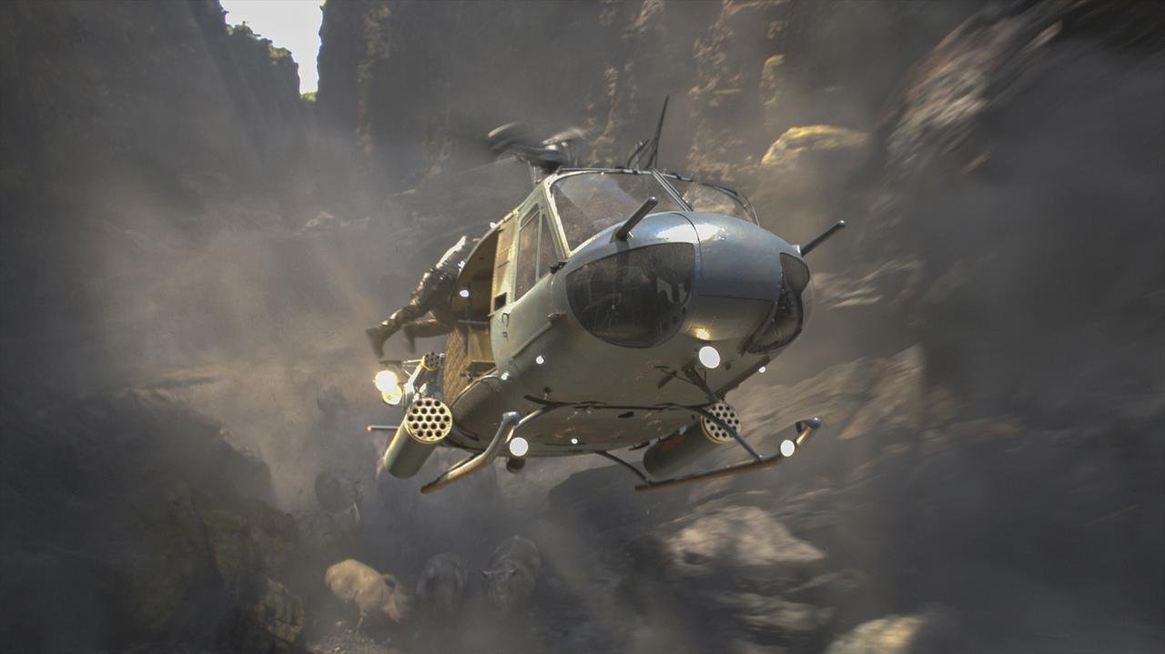 画像: 移動するにはヘリコプターが最適!?