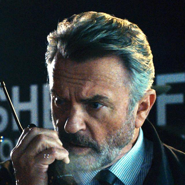 画像: ホーソーン(サム・ニール) マーフィーの上司で、かつてはマイケルの上司でもあった警部。列車内で起きた異変に気づき、捜査を開始。