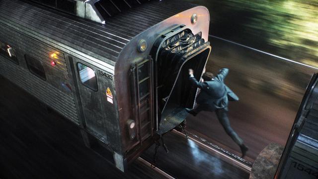 画像: 03: 前代未聞の車両と駅のセット