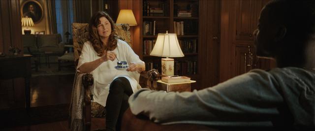 画像: ローズの母親はスプーンを使った催眠術を操る