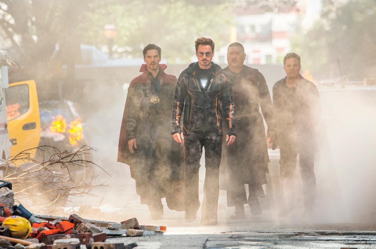 """画像: 「アベンジャーズ」シリーズも""""もしこの世界に本当にヒーローがいたら? """"という視点で描かれる"""