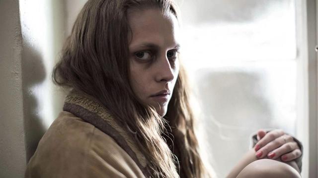 画像: 監禁された一人旅の女性の恐怖を描くサスペンス 「ベルリン・シンドローム」4月7日公開 - SCREEN ONLINE(スクリーンオンライン)