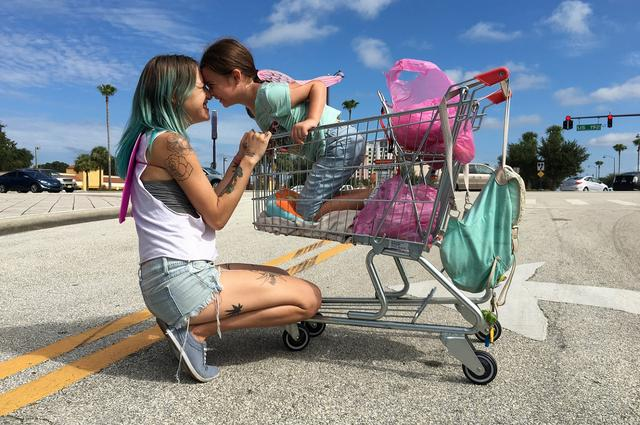 画像1: 『フロリダ・プロジェクト 真夏の魔法』 ショーン・ベイカー監督来日インタビュー