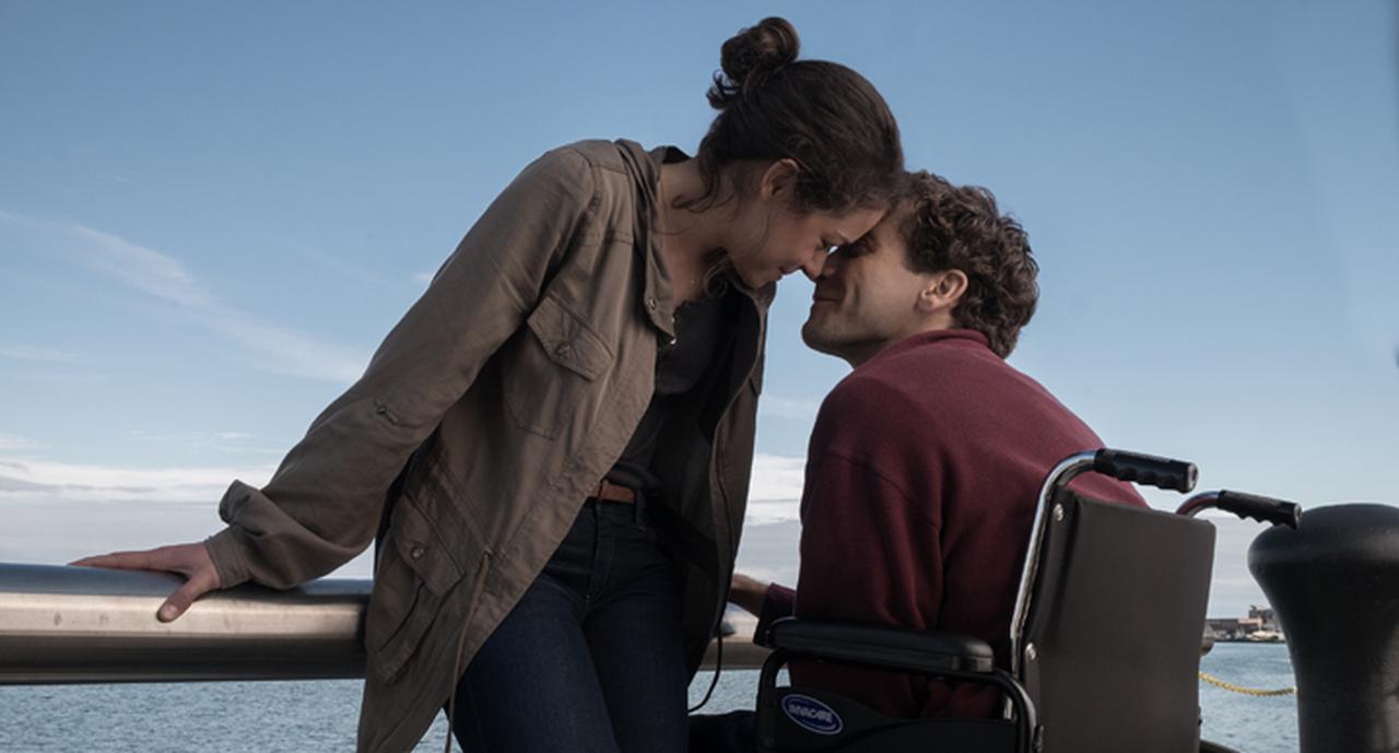 画像: テロ被害で両脚を失いながら人々の光となる青年 「ボストン ストロング ダメな僕だから英雄になれた」 5月11日公開 - SCREEN ONLINE(スクリーンオンライン)