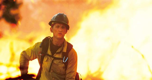 画像: 11: 巨大山火事に挑んだ男たち 「オンリー・ザ・ブレイブ」