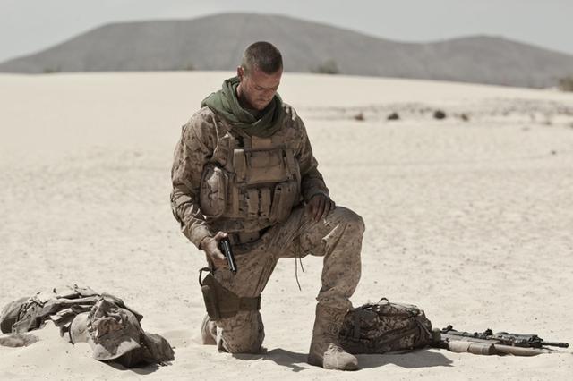 画像: 一歩でも動けば即死! 砂漠に取り残された男の恐怖 「ALONE/アローン」6月16日公開