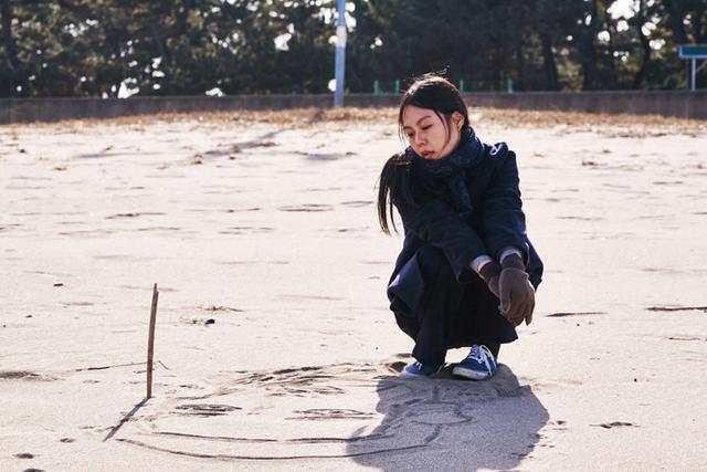 画像: 主演のキム・ミニがベルリン映画祭で韓国人初の栄冠 「夜の浜辺でひとり」6月16日公開
