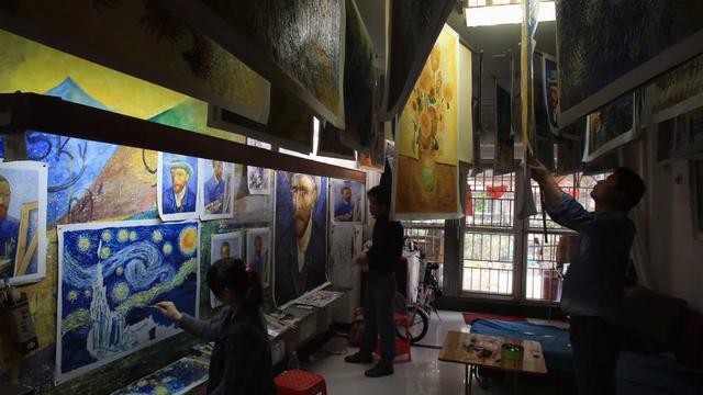 画像: 世界で一番ゴッホを描いた男 ©Century Image Media(China)