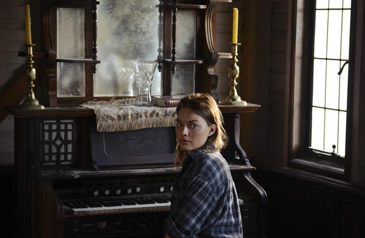 画像: マーゴット・ロビーが地球最後の女性に