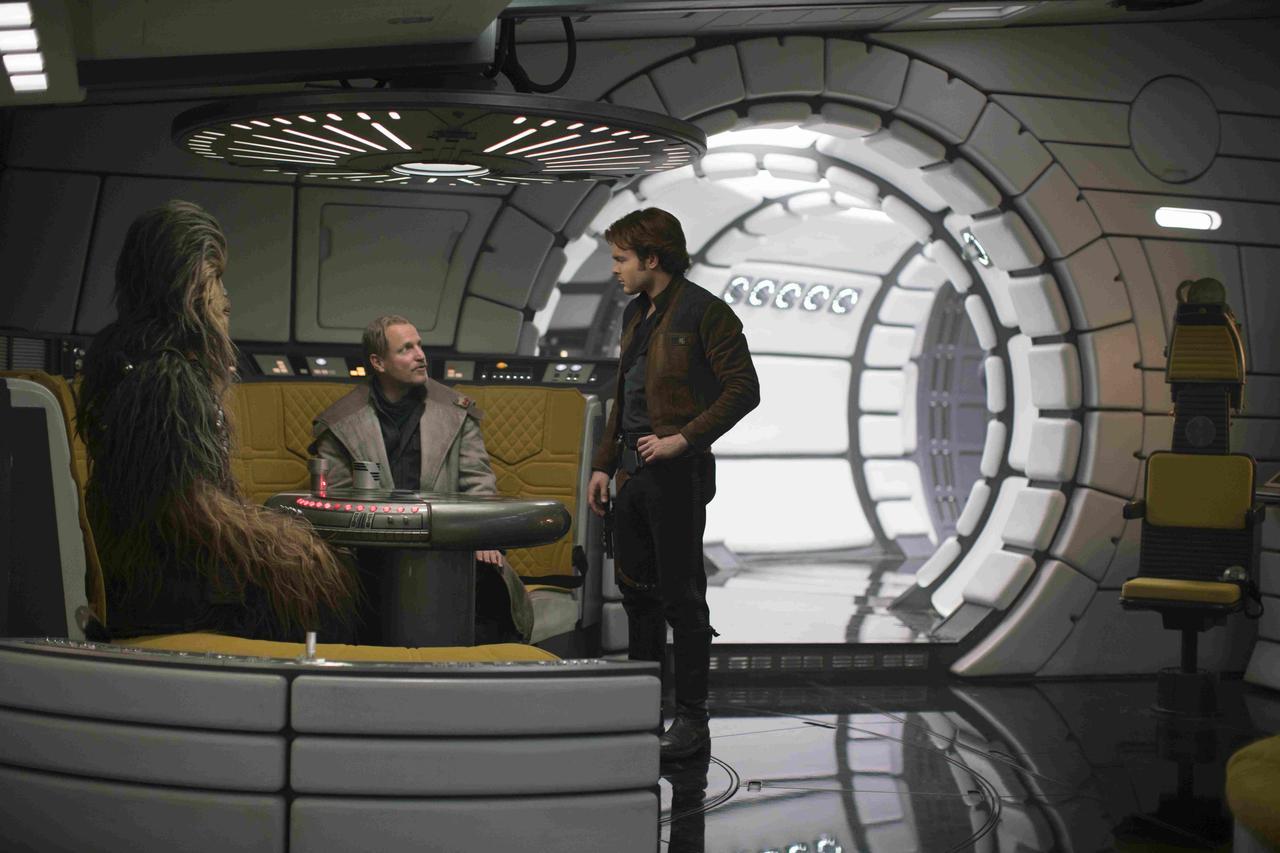 画像4: 愛すべき悪党ハン・ソロの原点が初めて明かされる! 「ハン・ソロ/スター・ウォーズ・ストーリー」