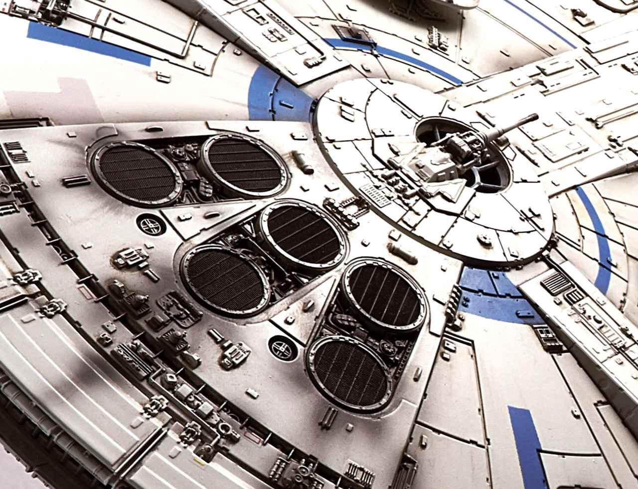 画像: 初期の外部装甲に注目!