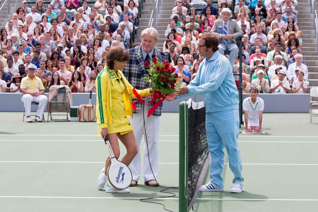 Images : 7番目の画像 - 「1973年、伝説となった世紀の一戦。テニスの歴史に残る 驚異の試合を描く「バトル・オブ・ザ・セクシーズ」」のアルバム - SCREEN ONLINE(スクリーンオンライン)