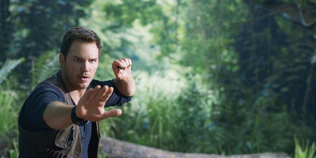 画像: クリス・プラット誕生日記念、『ジュラシック・ワールド/炎の王国』クリスが撮影チームに突撃インタビュー - SCREEN ONLINE(スクリーンオンライン)