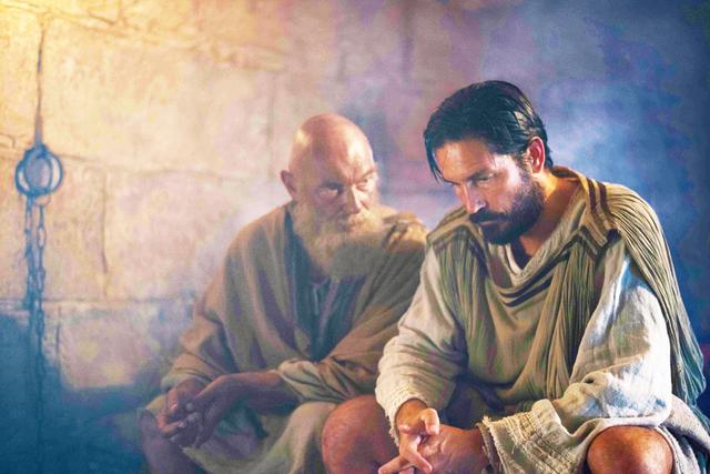 画像: ジム・カヴィーゼルが再び聖書の世界に